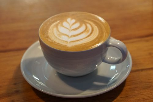 A flat white (hard to find in Porto)