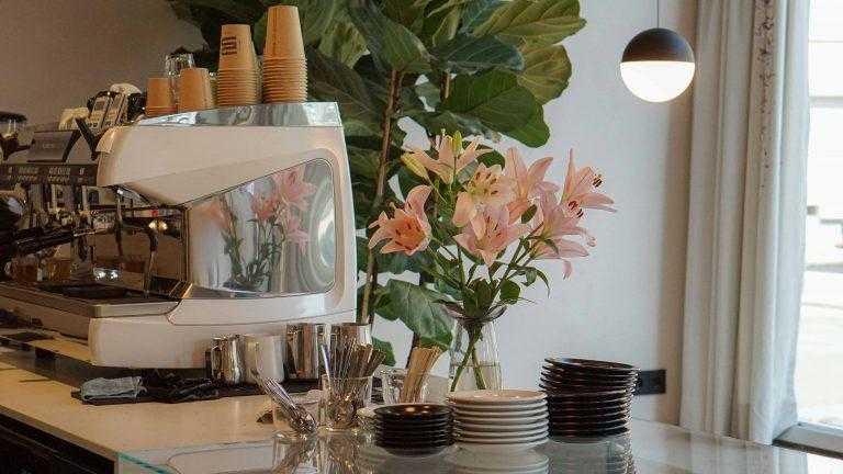 3 Kaffee Frankfurt The Coffeevine review inside